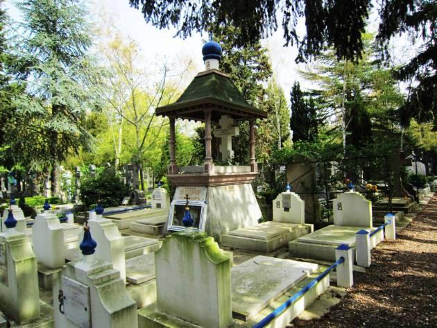 Кладбище Сент-Женевьев-де-Буа