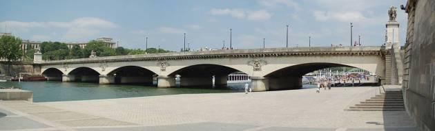 Сена - река в Париже