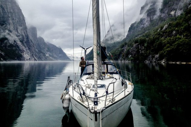 Яхтинг по побережью Норвегии