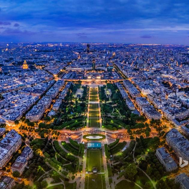 Виртуальная прогулка по Парижу